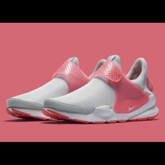 uk availability 11a07 467d2 💕Nike sock dart gs women/girls kids sneakers NWT
